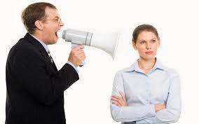 西语阅读:老板背后说你坏话怎么办?