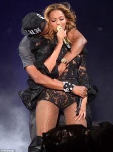 西语新闻:碧昂斯与Jay Z婚姻亮红灯