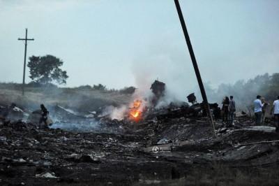 西语新闻讲解:马航MH17在乌克兰境内被导弹击中298人遇难