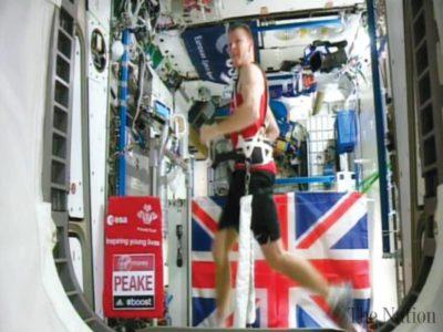 慢速西语:英国宇航员创太空马拉松纪录