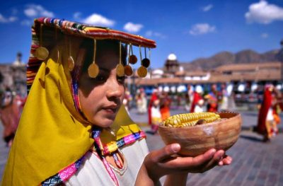 习近平在秘鲁媒体发表署名文章:共圆百年发展梦 同谱合作新华章
