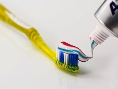 西班牙语阅读:生病之后,我们应当更换牙刷么?